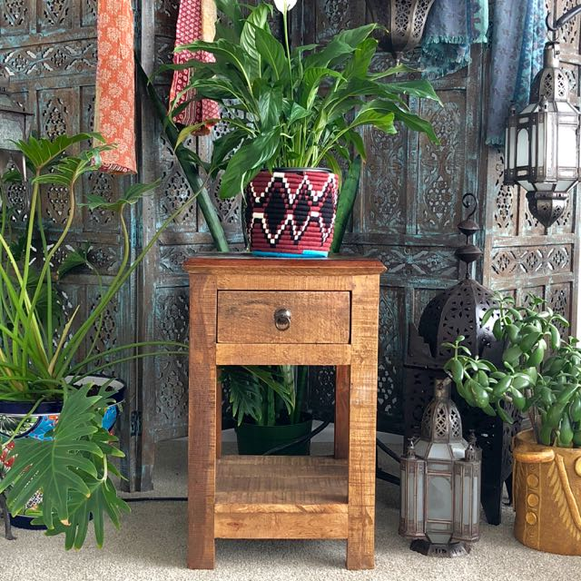 Katni Side Table